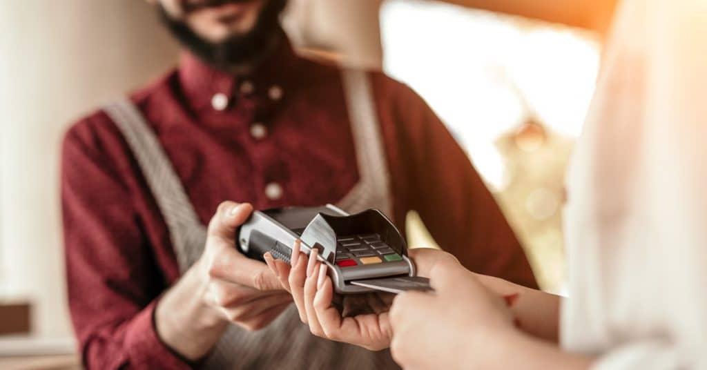 Elektronisch betalen wordt verplicht voor winkeliers